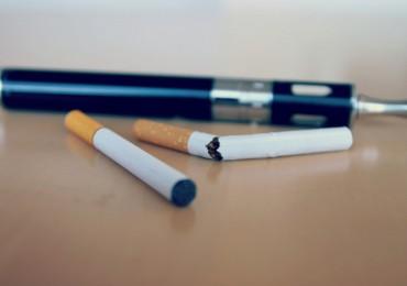 Czy e-papieros pomaga rzucić palenie? [źródło: TBEC Review @Flickr]