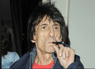 ronnie wood e-papierosem