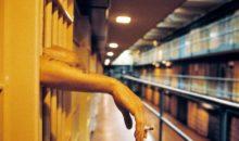 Brytyjskie więzienia pozwalają skazańcom wapować